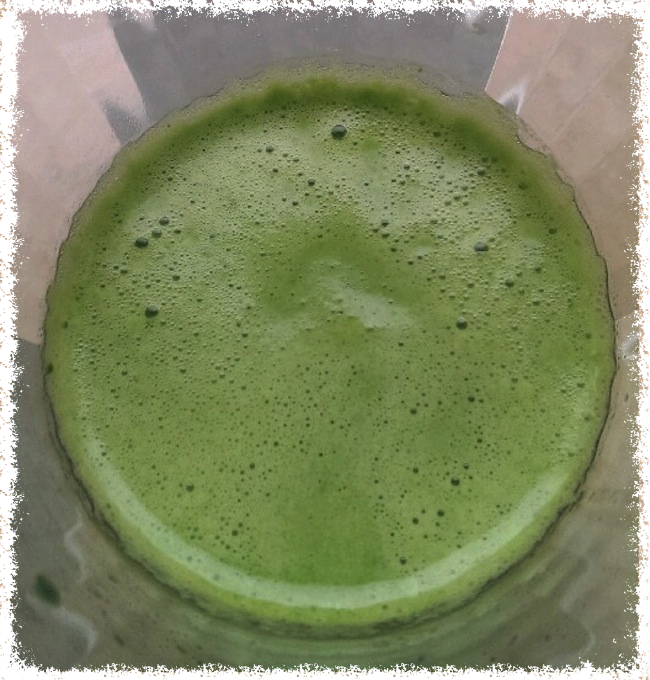 green detoxifier, juicing, green juice, vegan, gluten free, benefits of juicing