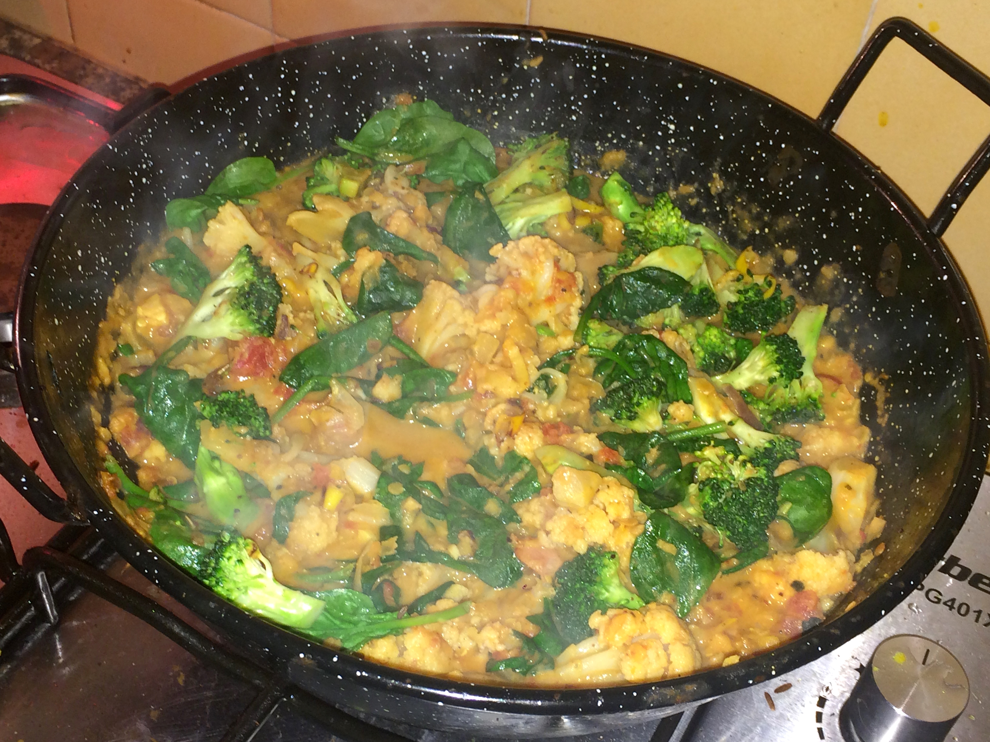 cheap & cheerful curry, how to use up leftovers, vegan, gluten free, simple, quick, red lentils, coconut milk, spinach, garlic & ginger,