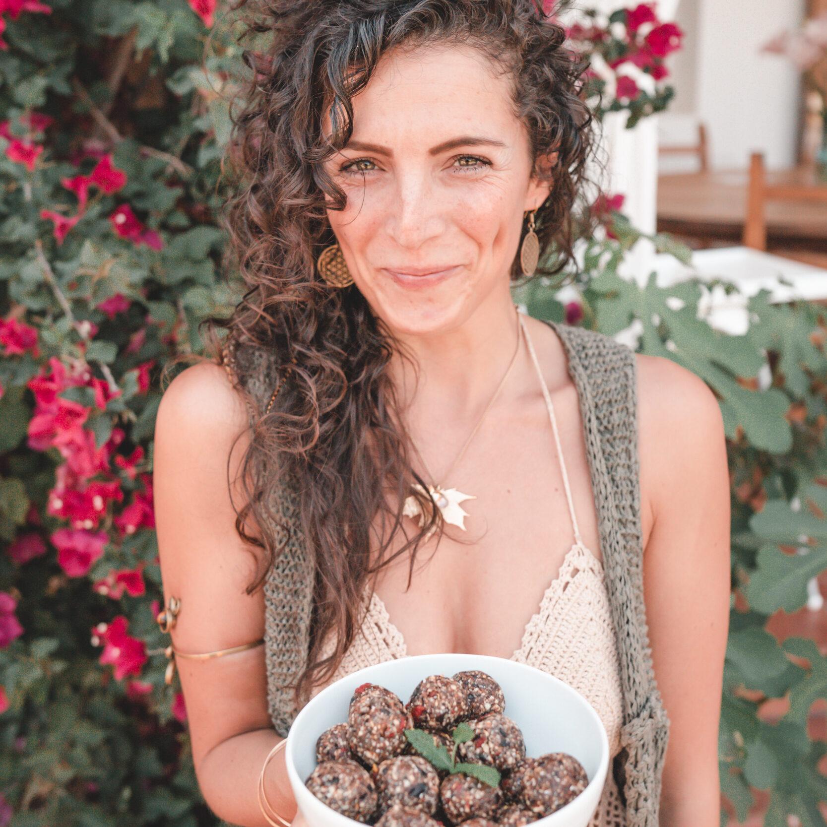 abi fox, food alchemist ibiza, vegan chef, plant based chef, photo sugacoatit